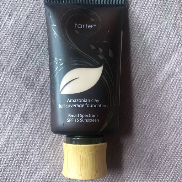 Tarte Cosmetics Amazonian Clay Foundation 16b